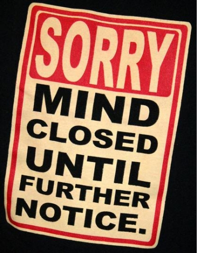 T-Shirt-Sorry-Mind-Closed-Until-Futher-Notice-724789.jpg