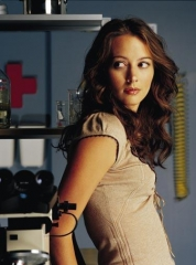 tn2_amy_acker_3.jpg