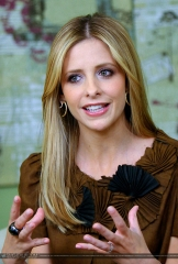 sarah-michelle-gellar-cw-11-morning-show-interview-hq-01-1500.jpg