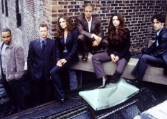 Experts-Manhattan-Cast-S1.jpg